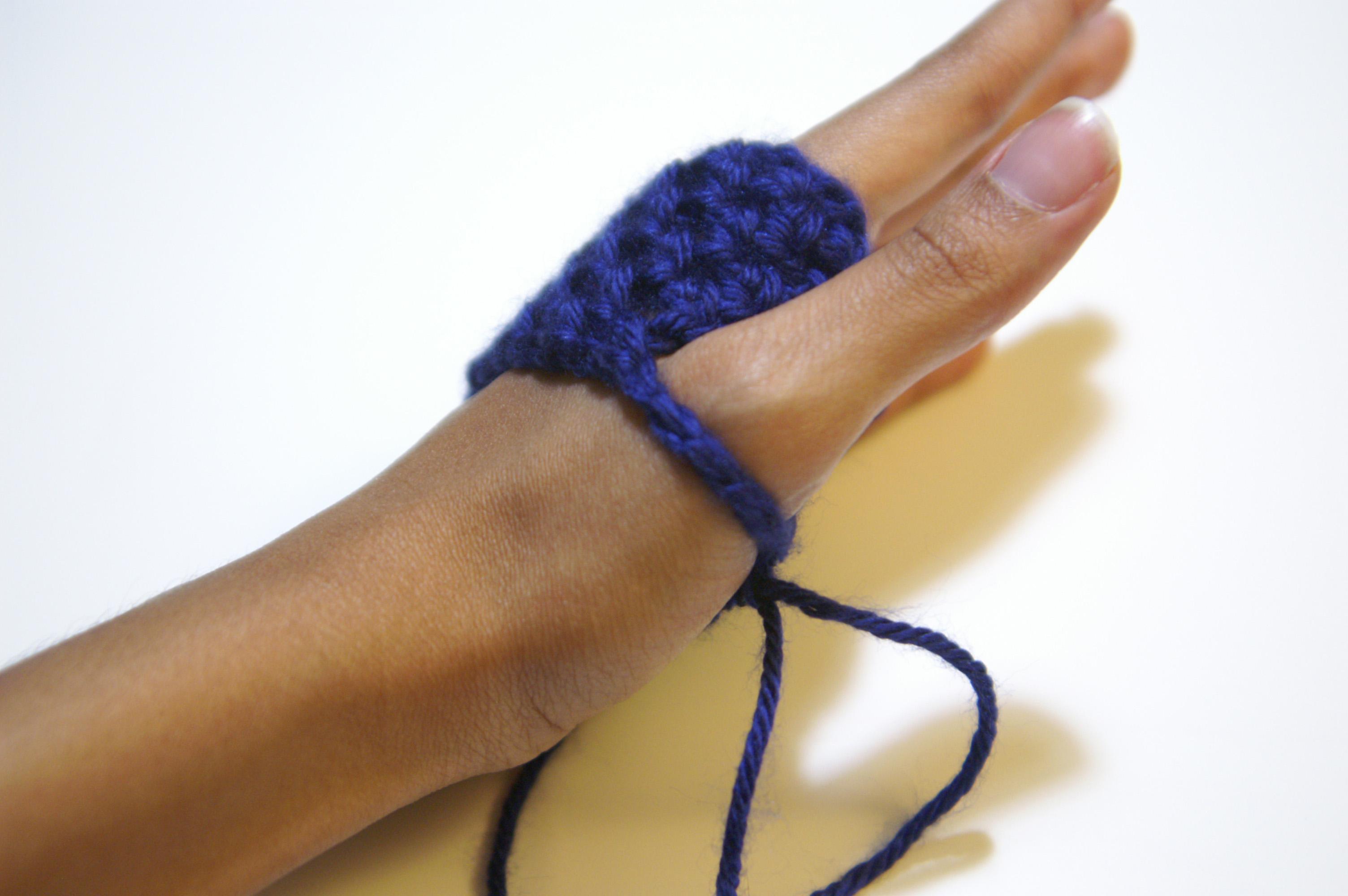 Fingerless gloves diy - Beautifully Blue Diy Cozy Crochet Fingerless Gloves